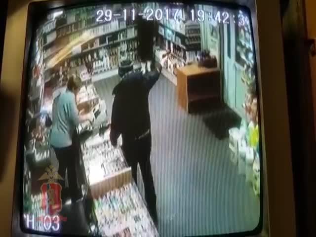 В Норильске грабитель украл два тюбика зубной пасты