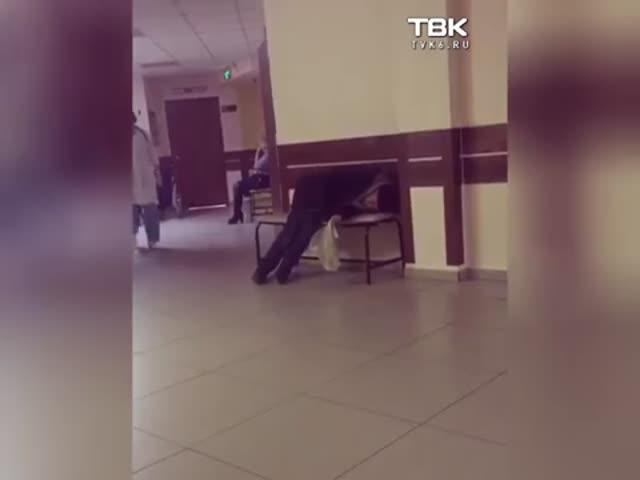 Красноярские врачи игнорировали пациента, просившего о помощи