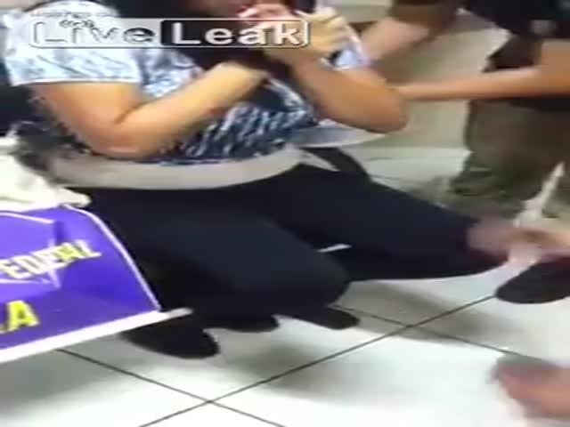 Бразильянка пыталась пронести в тюрьму 12 пистолетов