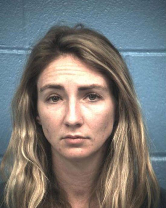 Американской учительнице грозит 20 лет тюрьмы за роман со школьником (4 фото)