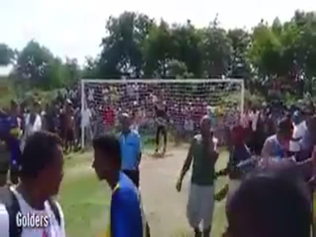 В Бразилии футболист пробил пенальти под дулом автомата