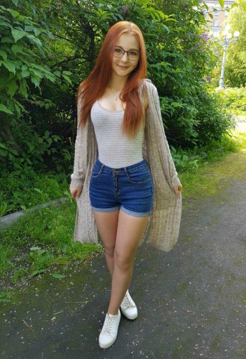 Милые девушки с естественной красотой (37 фото)