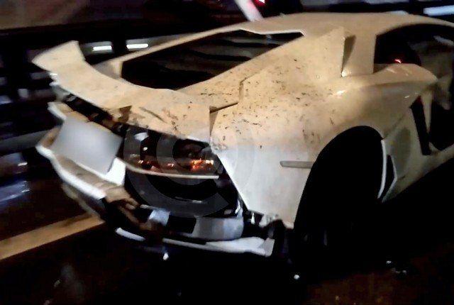 В Подмосковье девушка за рулем Lamborghini перевернула КамАЗ (3 фото + видео)