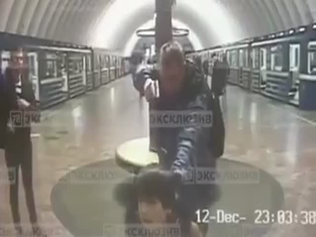 Пьяный сотрудник питерского метро задержал пассажира, приняв его за террориста