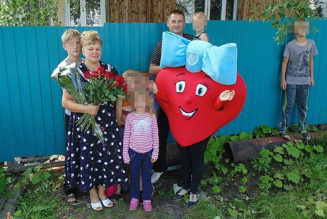 Многодетной семье из Коми, награжденной термосом, сделали очередной подарок (3 фото)