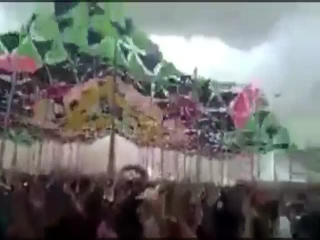 На фестивале музыки в Бразилии рухнула декорация