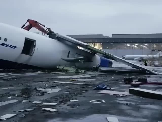 Утилизация самолета обанкротившейся авиакомпании «Трансаэро»