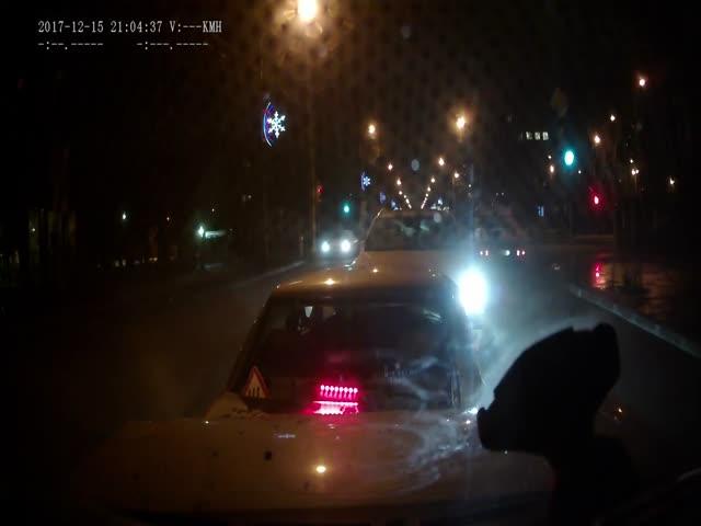Нетрезвый водитель выехал на встречную полосу