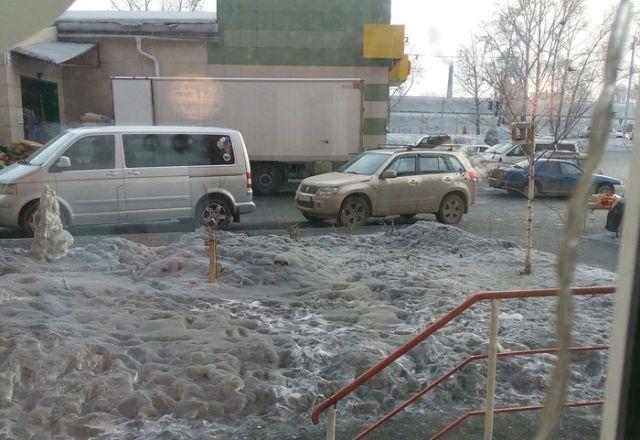Сажа накрыла Весенний район Новосибирска (2 фото)