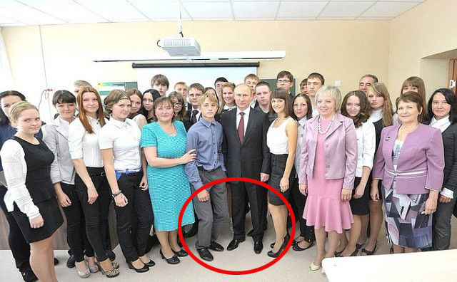 Как правильно фотографироваться с президентом (2 фото)