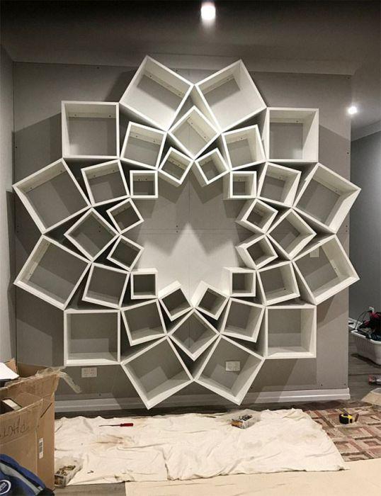 Креативный книжный шкаф своими руками (7 фото)