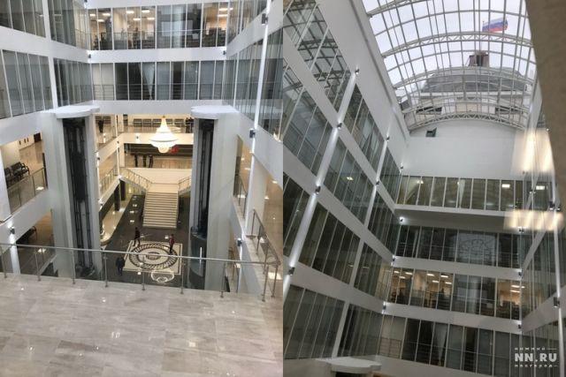 В нижегородском суде повесили люстру за 3 млн рублей (2 фото)