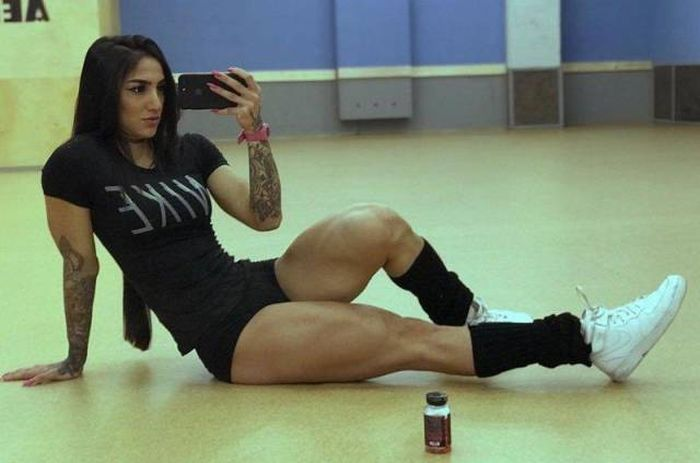 Фитнес-модель Бахар Набиева (14 фото)