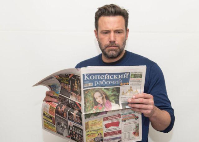 Звезды голливуда добровольно рекламируют уральскую газету «Копейский рабочий» (11 фото)