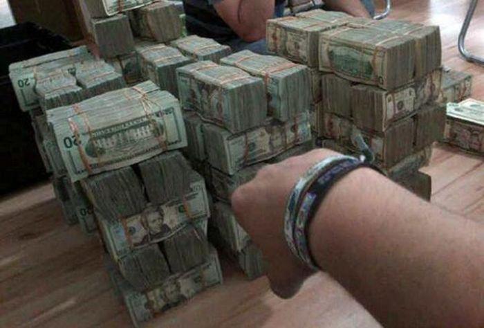 Красивая жизнь мексиканских наркоторговцев (18 фото)