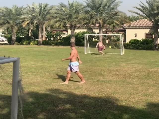 Александр Кокорин опубликовал видео со своего отдыха в ОАЭ