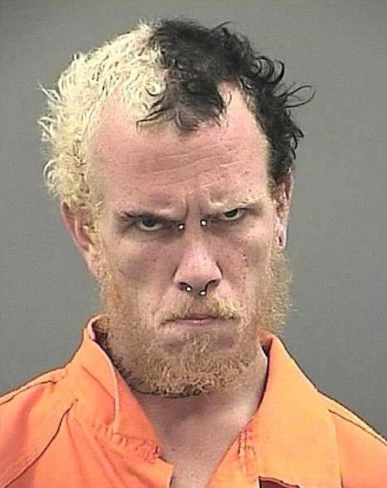 Магшоты преступников со странными прическами (19 фото)