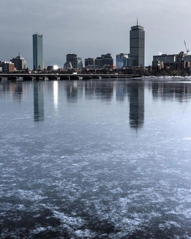 Мощные снегопады и сильные морозы обрушились на Канаду и США (30 фото)