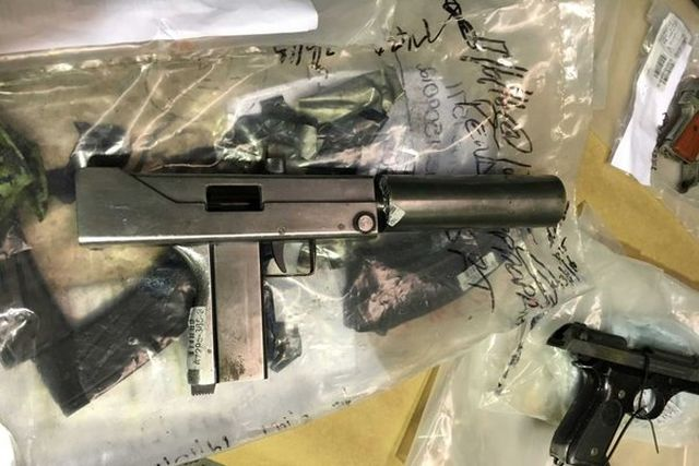 Кустарные пистолеты-пулеметы MAC-11 стали популярным оружием преступного мира (7 фото)