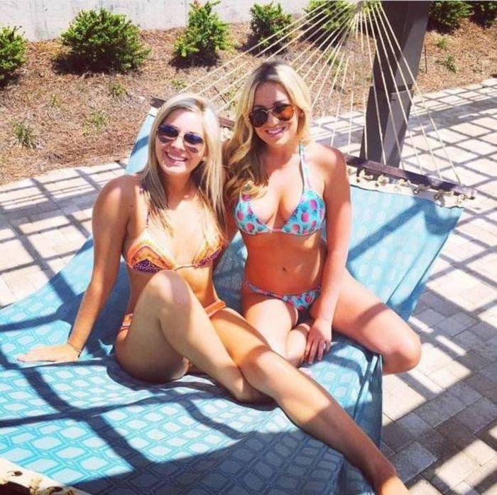 Девушки в купальниках для тех, кто скучает по лету (52 фото)