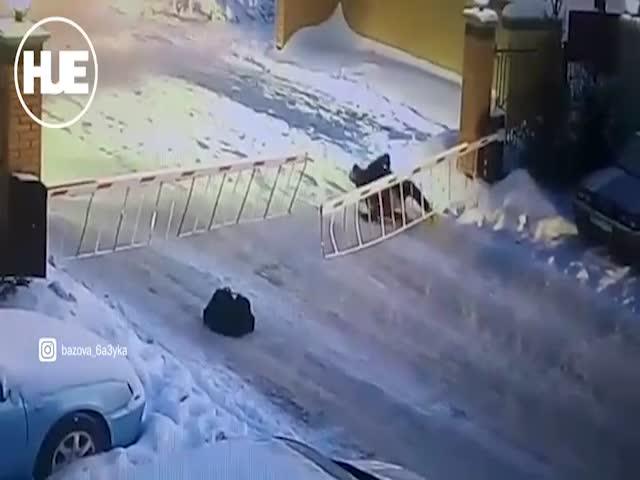 Неудачный прыжок через шлагбаум