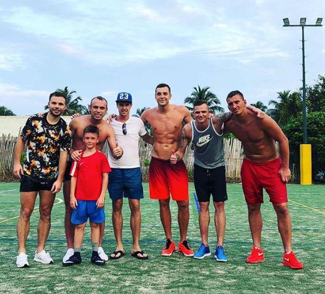 Как проводят отпуск футболисты сборной России (15 фото)