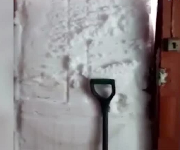 Когда немного замело снегом