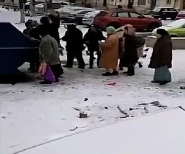 Серпуховские пенсионеры набросились на просрочку