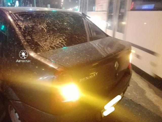 В Новосибирске таксист устроил погоню и пошел на таран, чтобы остановить обидчика (5 фото)