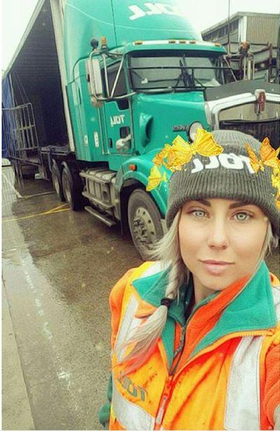 Блейз Уильямс - симпатичная дальнобойщица из Австралии (18 фото)