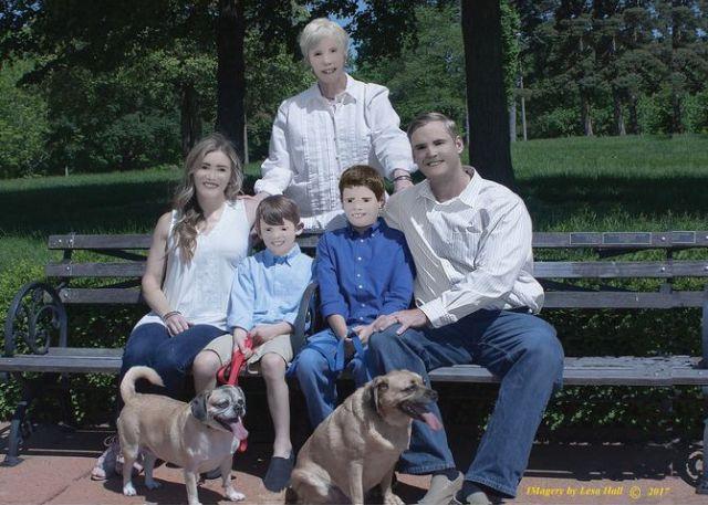 Семейная фотосессия от фотографа, не умеющего работать в фотошопе (5 фото)
