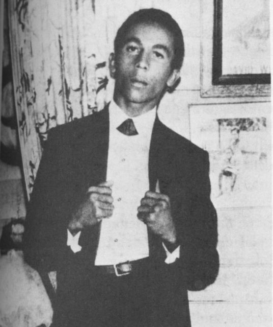 Знаменитости в начале своей карьеры (45 фото)
