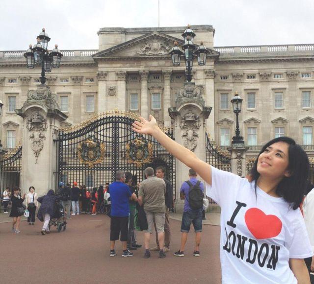Популярная в Азии порнозвезда Сора Аои объявила о помолвке (10 фото)