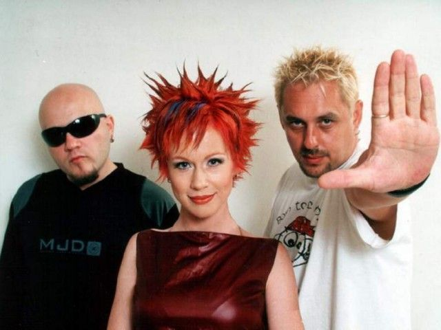 Что стало с популярными российскими группами 90-х и 00-х (49 фото)