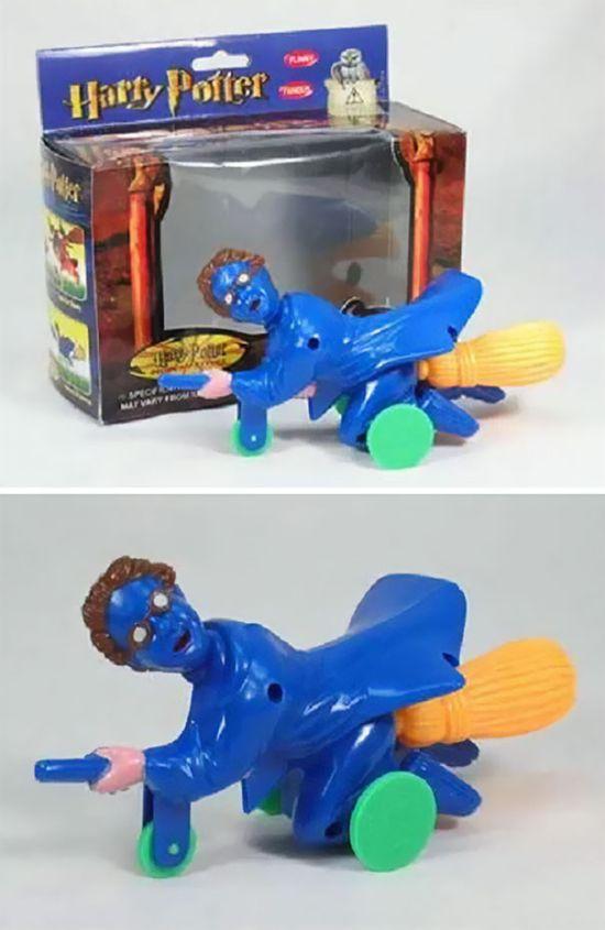 Игрушки, которые лучше не показывать детям (40 фото)