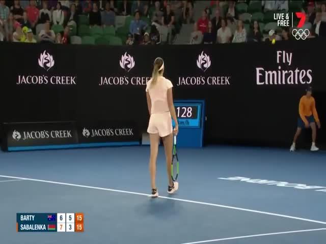 Зрители стали пародировать крики теннисистки Арины Соболенко