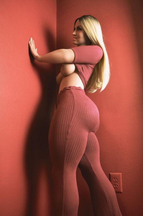 Невероятно реалистичная секс-кукла Габриэлла (8 фото)