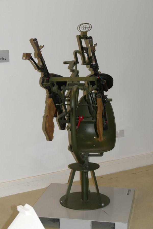 Переносная зенитная установка (10 фото)