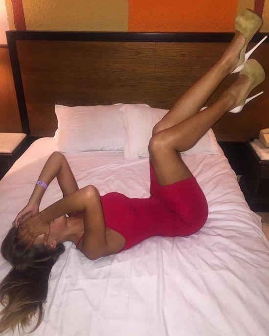 Свежие фото самого красивого арбитра российского футбола Екатерины Костюниной (14 фото)