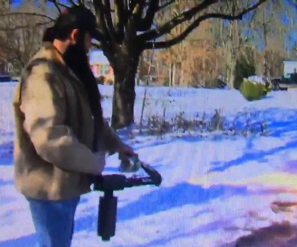 Американец огнеметом расчистил дорожки от снега