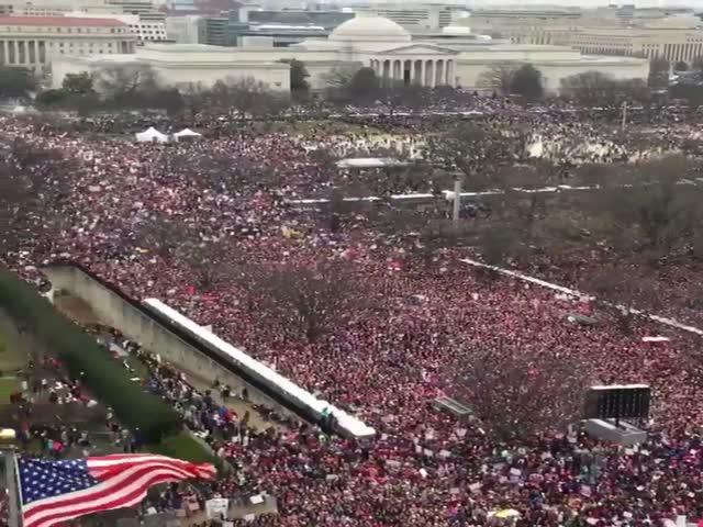 «Женский марш» против Трампа в Вашингтоне