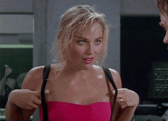 Красавицы из фильмов 80-х и 90-х годов (16 гифок)