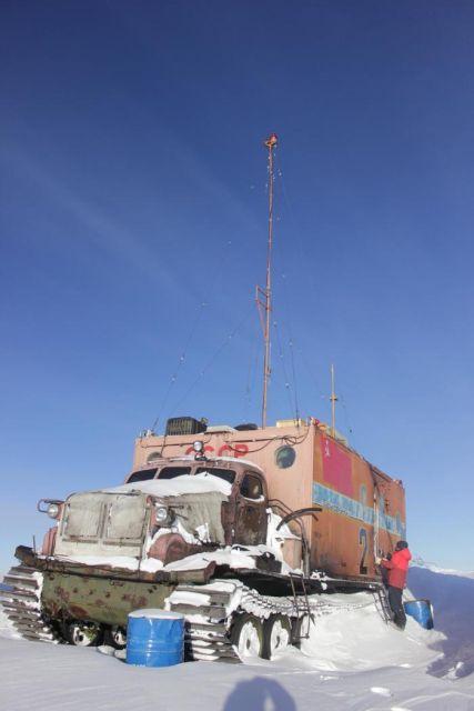 Антарктический вездеход «Харьковчанка» (25 фото)
