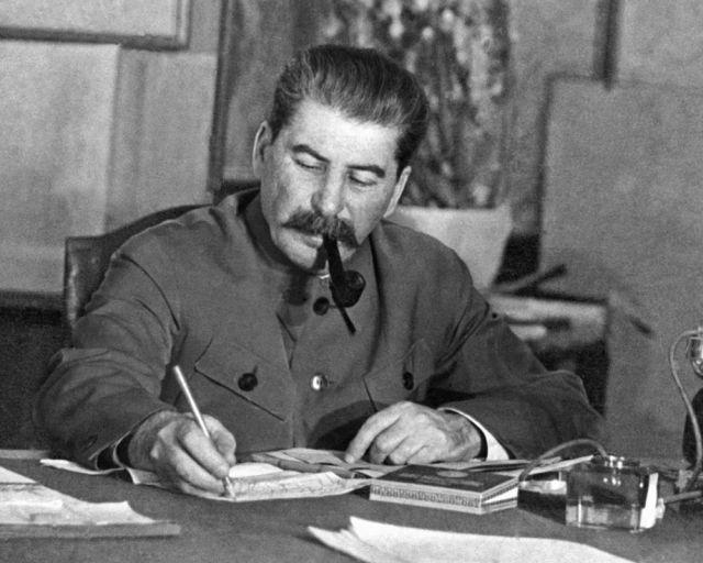 Названы главные российские кумиры ХХ века (22 фото)