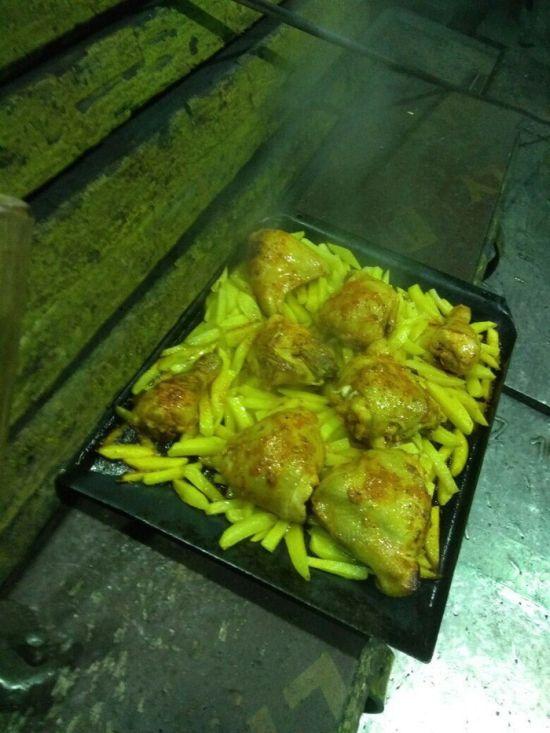 Как готовят обед в прокатном цеху (6 фото)