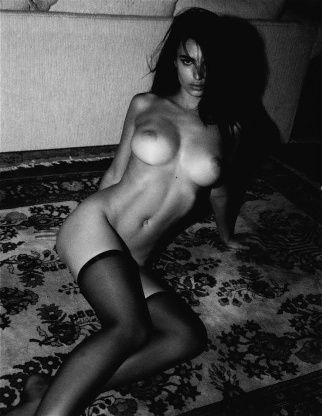 Интимная винтажная фотосессия модели Эмили Ратаковски (23 фото)