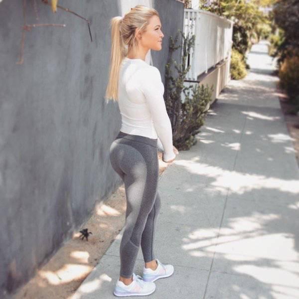 Спортивные девушки в обтягивающих штанах (46 фото)