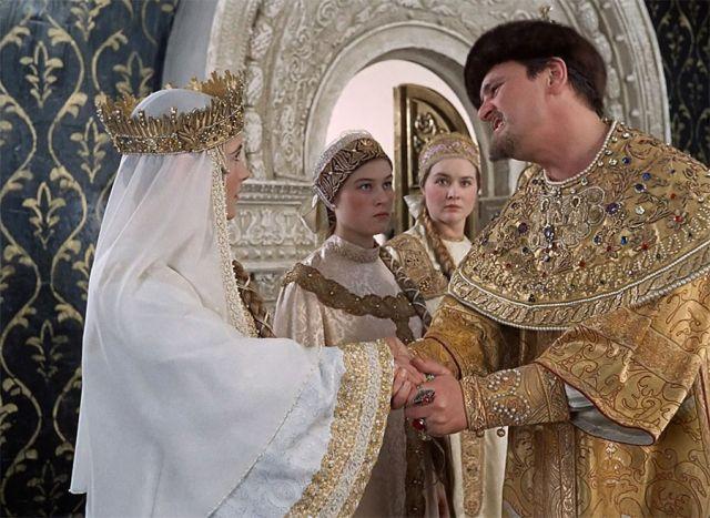 Зарубежные названия комедий Леонида Гайдая (10 фото)