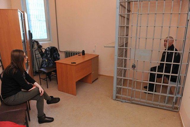Итальянка влюбилась в русского заключенного и хочет выйти за него замуж (5 фото)