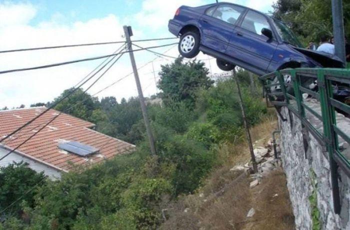 Фото невероятных аварий (15 фото)